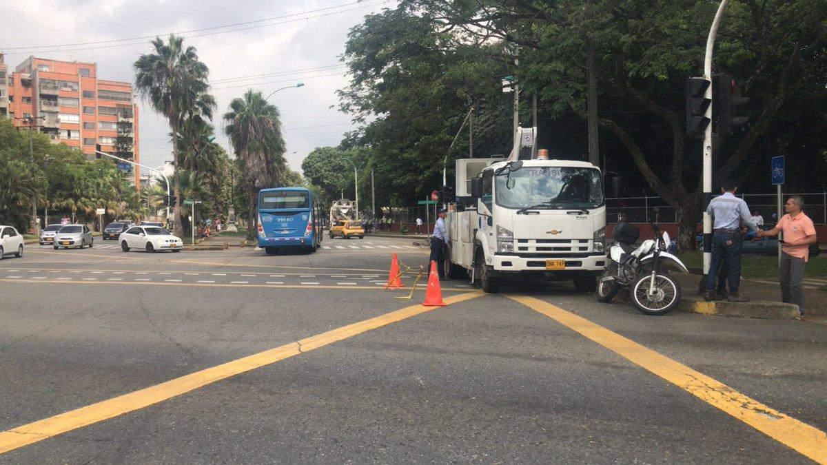 Avanza instalación y mantenimiento de semáforos en cruces de alta accidentalidad