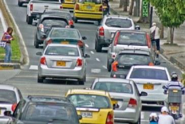 Caleños deberán tramitar permiso para portar publicidad política en sus vehículos