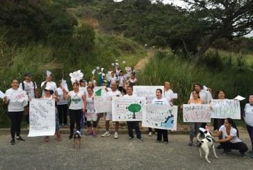 Caleños marcharon para protestar contra la invasión en el cerro de La Bandera