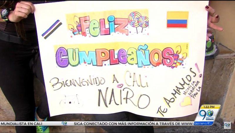 LLegó Nairo Quintana a Cali y sus fans lo esperaron con una sorpresa de cumpleaños