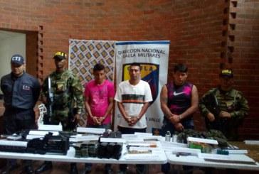 Autoridades incautan armamento en local del centro de Cali