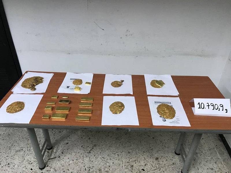 Incautan más de 1.000 millones de pesos en oro en aeropuerto Alfonso Bonilla Aragón