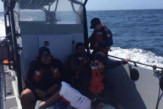 Rescatan a cuatro personas que permanecieron tres días en el océano Pacífico