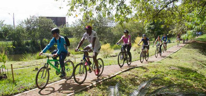 Más de 200 personas participaron de la VI Bicicletada por los humedales en Cali