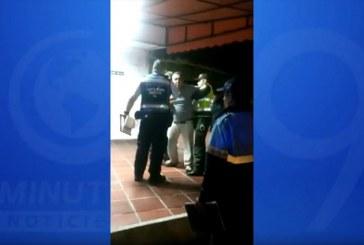 """""""A mí no me espose que yo soy funcionario"""", hombre protagonizó agresión a guarda en Cali"""