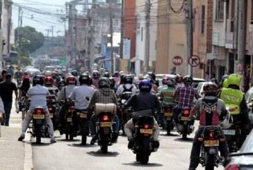 Así serán los cascos reglamentarios para motos que comenzarán a exigir en el país