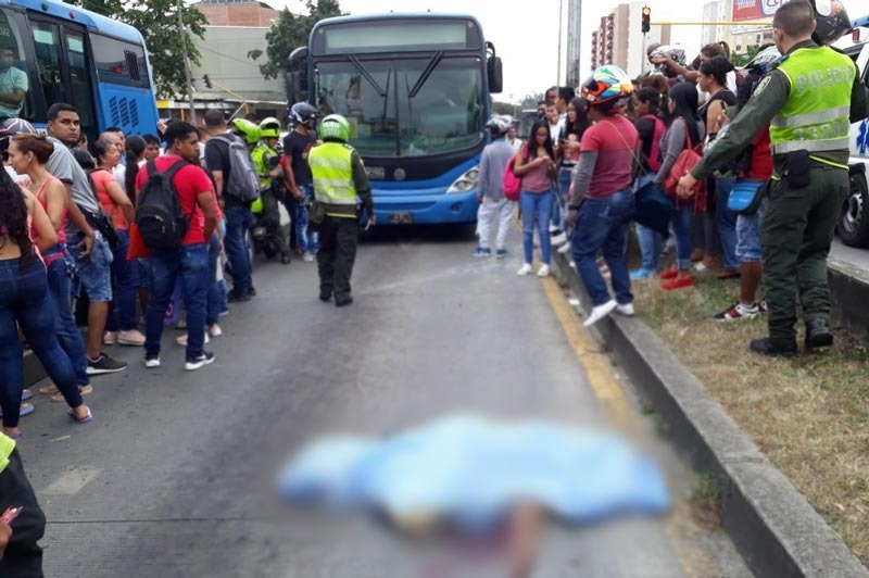 Identifican a mujer que falleció en la Calle 5  tras ser atropellada por un bus del Mío