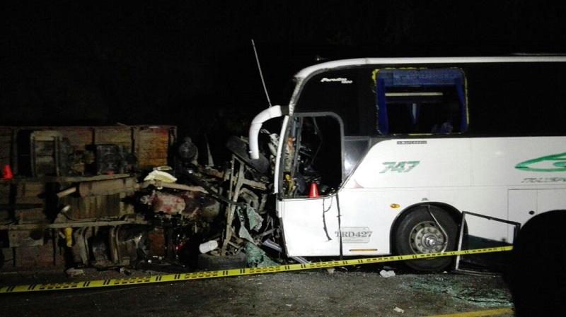 Accidente en la vía Panamericana deja tres personas muertas