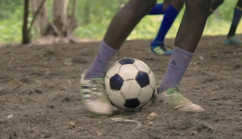Joven de 18 años resultó herido tras manipular un 'balón bomba' en Tumaco, Nariño