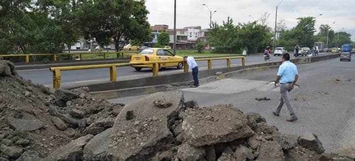Alcaldía anuncia gestión de recursos para reparación de puente en la Simón Bolívar