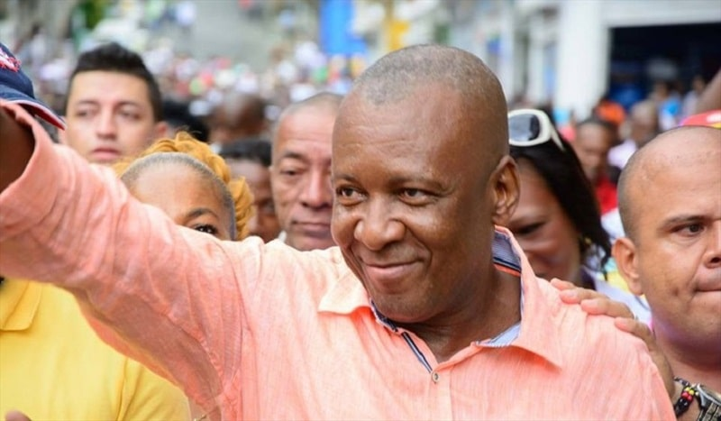Detienen al alcalde de Buenaventura por presuntas irregularidades en contratos