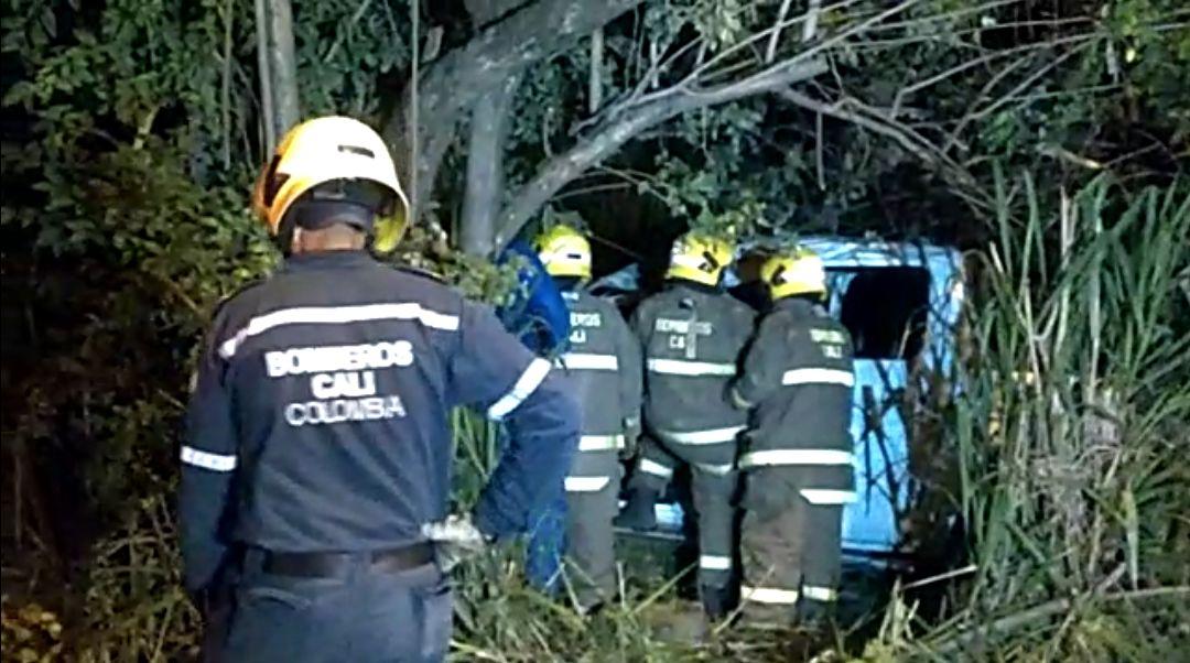 Conductor de camioneta murió en aparatoso accidente en la vía Cali-Jamundí
