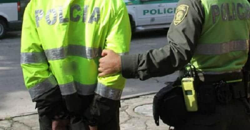Por un presunto caso de violencia intrafamiliar fue capturado Policía en Cali
