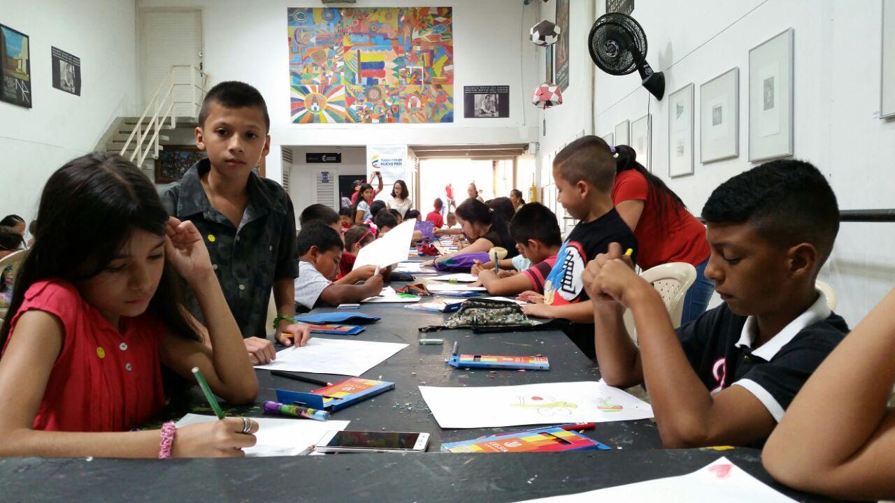 Concurso infantil de dibujo a color fue realizado en el Museo Rayo