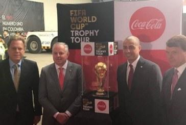 Con Trezeguet, la Copa del Mundo llegó a Colombia y será exhibida en Bogotá
