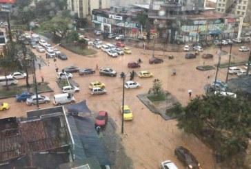 En fotos: estragos en Cali tras fuertes lluvias que azotaron la ciudad en las últimas horas