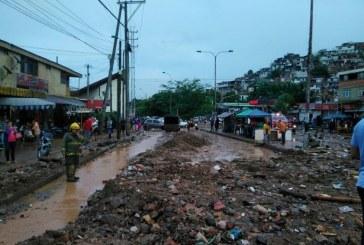 Alcaldía visitó zona afectada de Siloé donde murieron dos personas tras lluvias