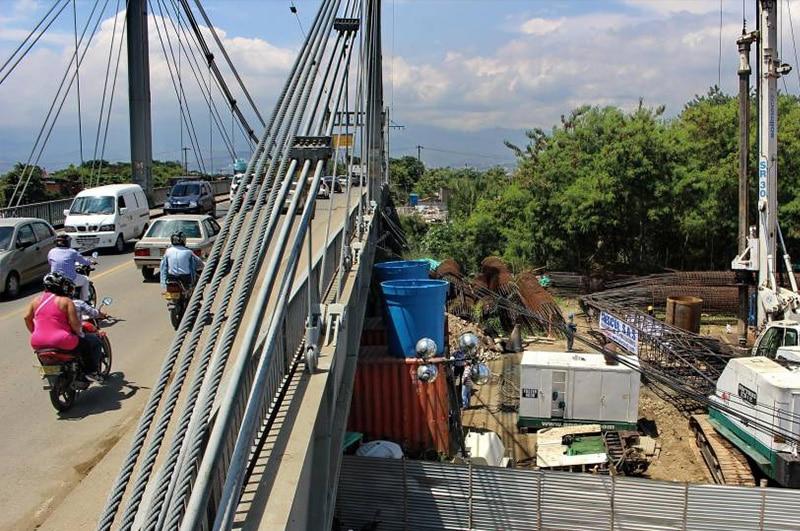 Parte del nuevo puente de Juanchito fue demolido por fallas en sus cimientos