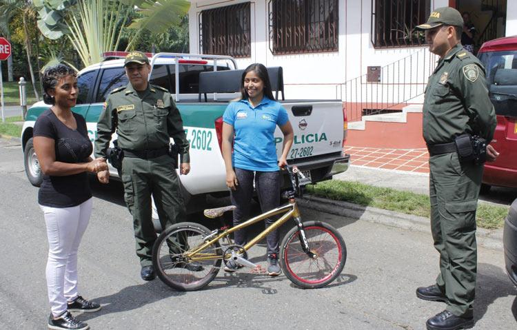 Recuperan bicicleta de deportista de BMX que fue robada en el Velódromo