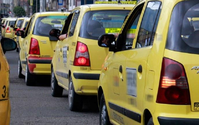 Taxistas de Cali exigen igualdad para transportar 4 pasajeros con nueva normativa