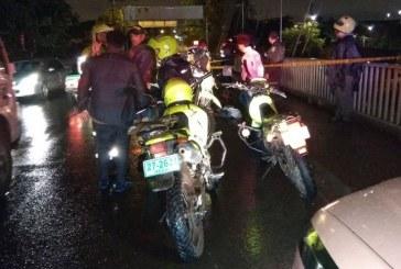 Asesinan a hombre que se movilizaba en una motocicleta en el puente de Juanchito