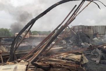 Incendio consumió bodega en Yumbo, más de 50 trabajadores resultaron afectados