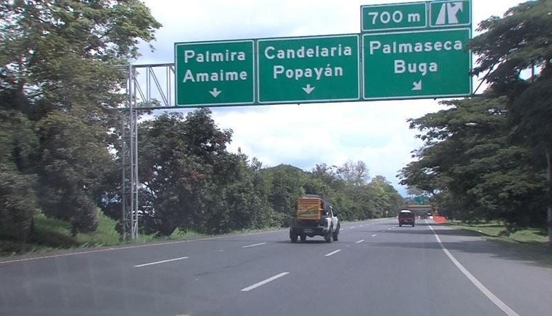 Autoridades investigan asalto a pasajeros de un bus en la vía Cali-Palmira