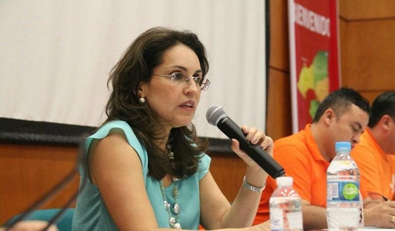 Exsenadora Viviane Morales anunció su renuncia a candidatura presidencial