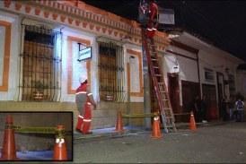 Atacan con un artefacto explosivo a restaurante del barrio San Antonio