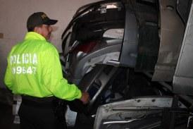 Policía cerró temporalmente diez establecimientos ilegales de autopartes en Cali