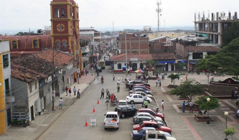 Investigan ataque en Yumbo contra vehículo de hijo de dirigente indígena del Cauca
