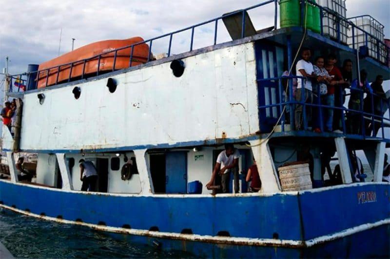 Armada Nacional rescató a 53 personas que se encontraban a la deriva en aguas del Pacífico
