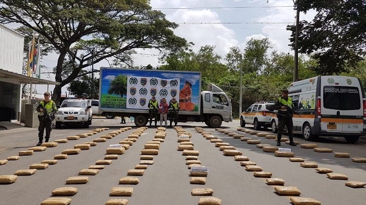 Entre huevos, camión llevaba 600 kilos de marihuana por vía Villarica – Palmira