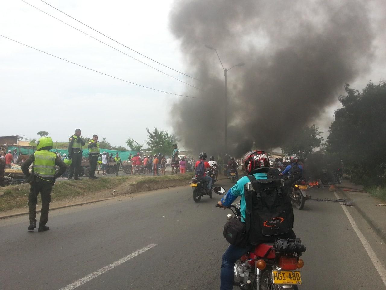 Carretilleros bloquearon vías de la  Escombrera de la 50