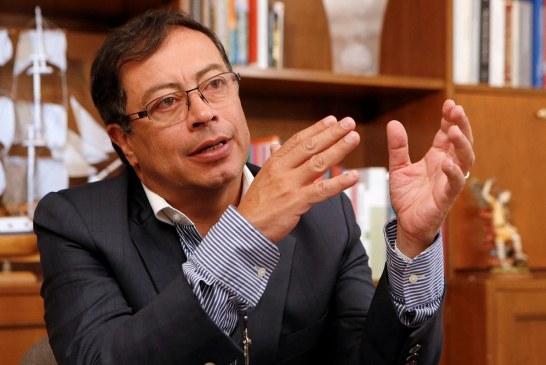 Senador Petro rechaza señalamientos sobre financiación ilícita de su campaña