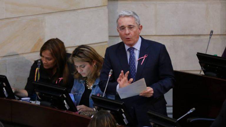 ¿Qué se sabe de la salud del Álvaro Uribe tras dar positivo por COVID-19?