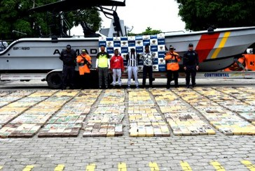 La Armada interceptó lancha que transportaba dos toneladas de cocaína en Tumaco