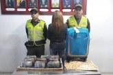 Mujer fue detenida en el aeropuerto con la suma de $247 millones
