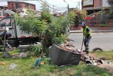 Anuncian intervención en zonas afectadas por arrojo clandestino de escombros en Cali