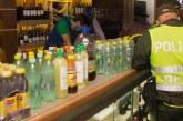 Autoridades sellaron establecimiento nocturno que vendía bebidas vencidas a sus clientes