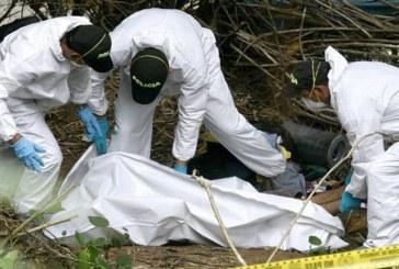 Familiares despiden a víctimas de matanza con pedidos de justicia