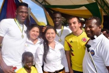 Yerry Mina y Dávinson Sánchez tuvieron un masivo recibimiento en Guachené