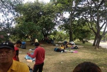Este martes se retirarán los venezolanos que acampan cerca de la Terminal de Cali