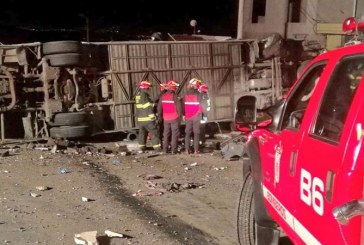 Bus que transportaba pasajeros colombianos se accidentó en Ecuador, hay 24 muertos