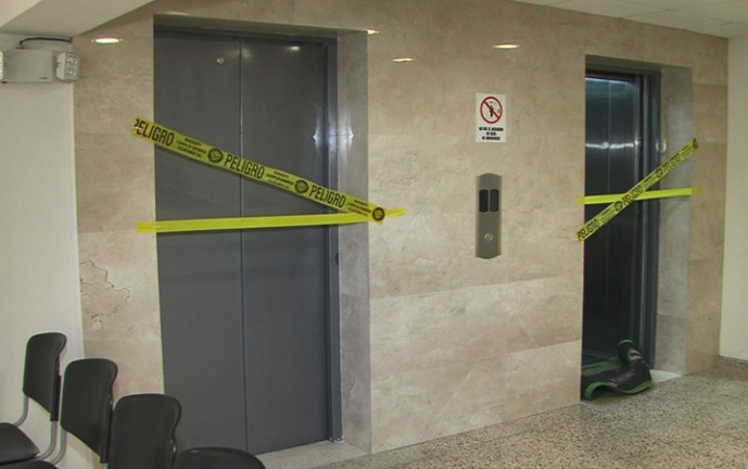 Elevadores del Palacio de Justicia habrían sido modificados en su instalación