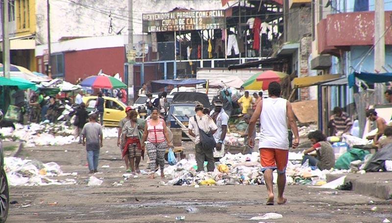 Denuncian aumento de basuras y robo de mallas en predios de 'Ciudad Paraíso'