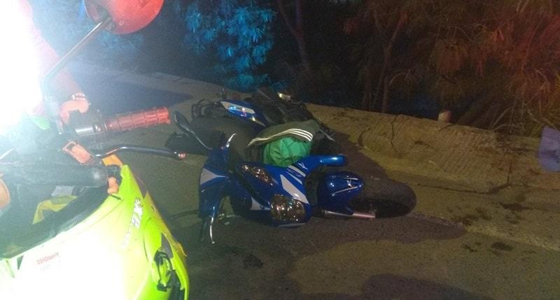 Motociclista fallece tras caer a canal de aguas residuales en el oriente de Cali