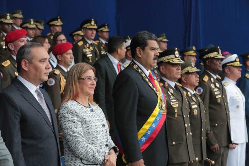 Farc dice que extrema derecha es responsable de supuesto atentado contra Maduro