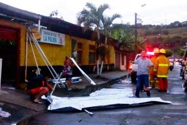 Fuerte aguacero dejó 20 viviendas afectadas en Andalucía, centro del Valle