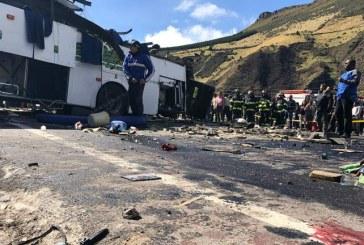 Según Fiscalía, hay evidencias que demostrarían presencia de cocaína en bus accidentado en Ecuador